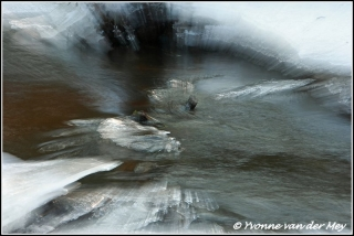Magisch ijs / Magic ice  (Copyright Yvonne van der Mey)