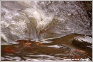 Stromend water / Flowing water (Copyright Yvonne van der Mey)